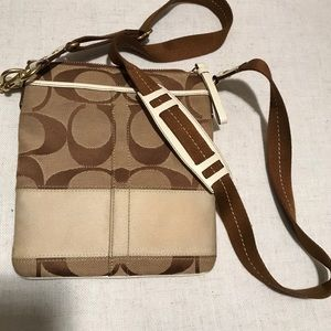 COACH CANVES CROSSBODY BAG